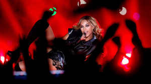 Beyonce_super_bowl_xlvii_halftime_4