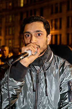 Riz_ahmed_performing_at_occupy_lond